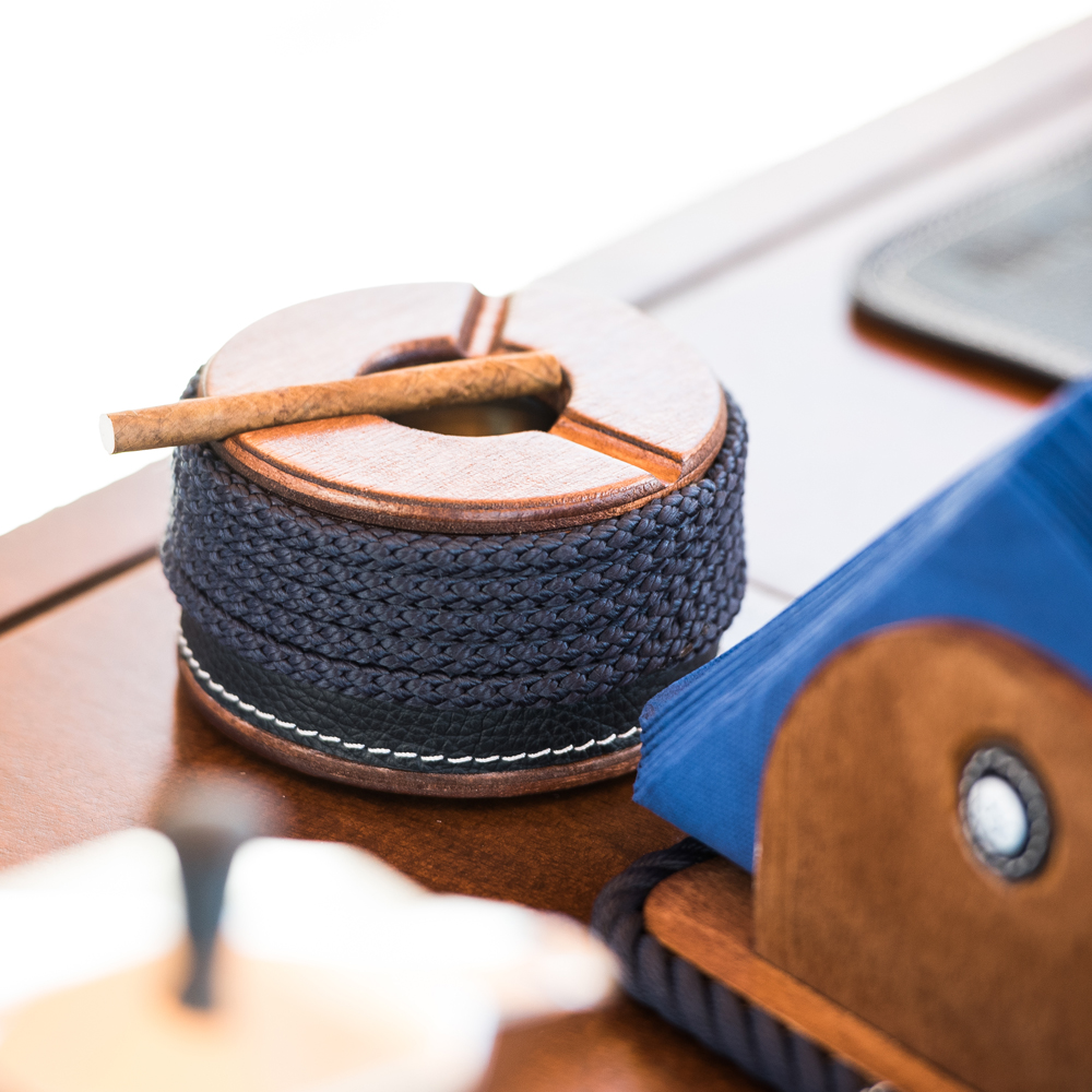 Accessories in Maritime Style